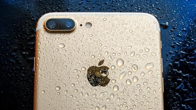 Yeni iPhone'lar Suyu Dışarı Püskürtebilecekler