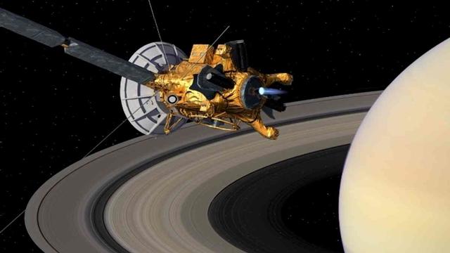 Satürn Halkalarını Arasına Dalan Cassini'den Muhteşem Video Şov