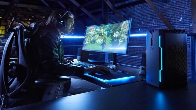 Corsair İlk Bilgisayarı Corsair One'ı Duyurdu