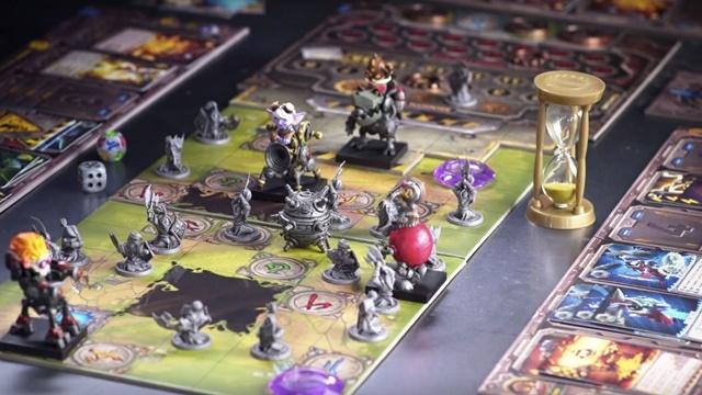 Riot Games Masa Üstü Oyunu Yaptı!