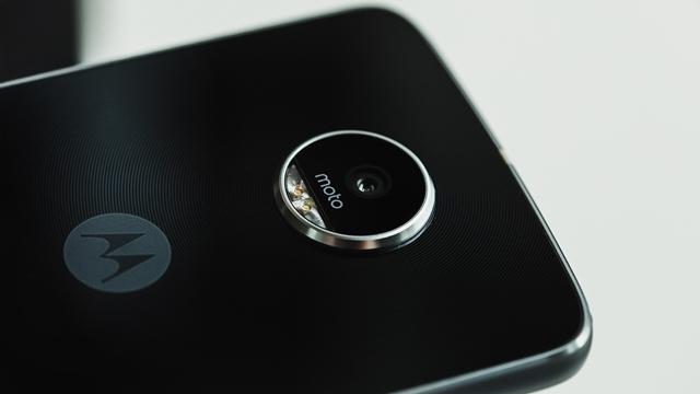 Moto Z2 Play'in Özellikleri Ortaya Çıktı