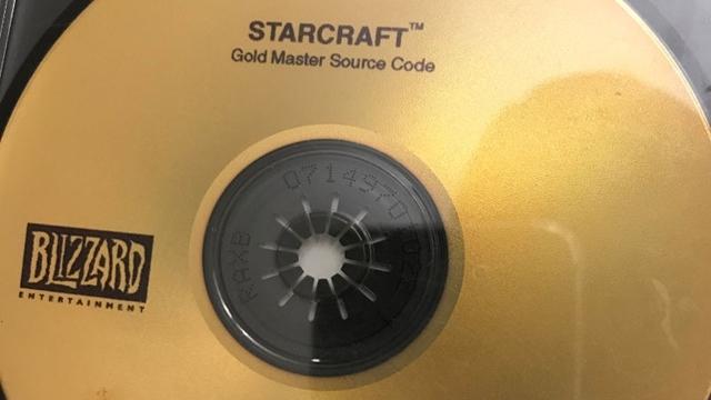 StarCraft'ın Kaynak Kodlarını Bulan Oyuncu Hediyeye Boğuldu