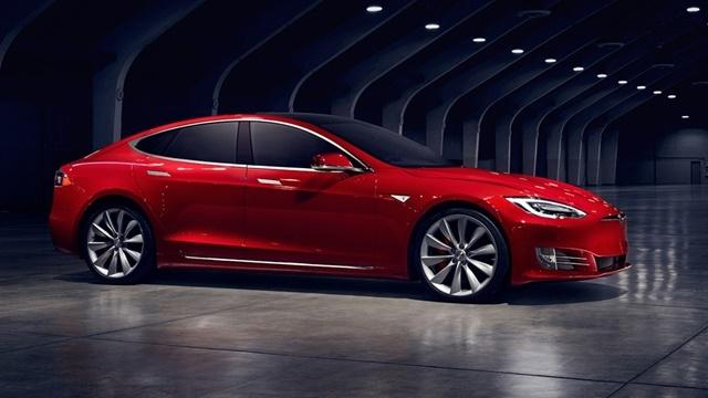 Tesla Model S En Çok Satan Sedan Oldu