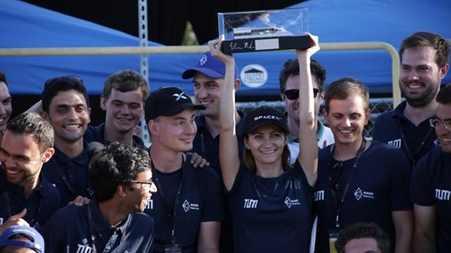 SpaceX'in Hyperloop Yarışmasında Öğrenciler 300km/s Hızı Geçtiler