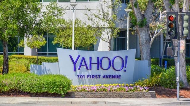 Yahoo  Tüm Kullanıcı Bilgilerini Amerikan İstihbarat Teşkilatlarına Aktarmış