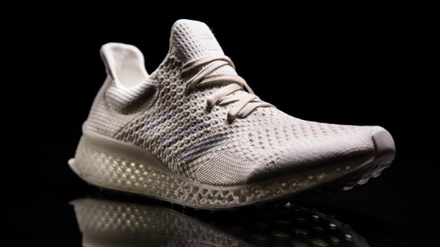 Adidas, Robotlarla Birlikte Geleceğin İlk Ayakkabısını Üretti!