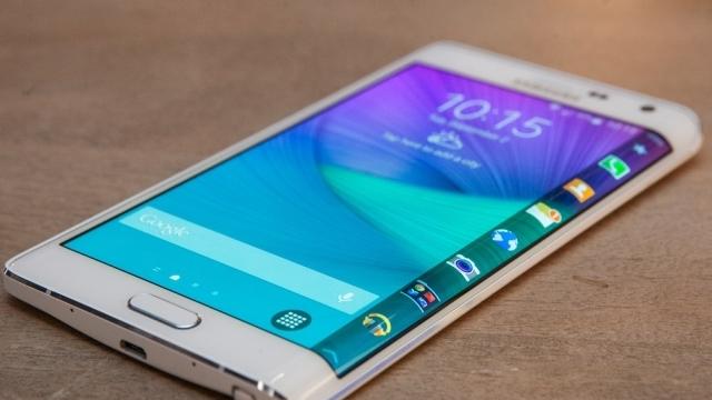 Samsung Galaxy Edge Güney Kore'de Satışa Sunuldu