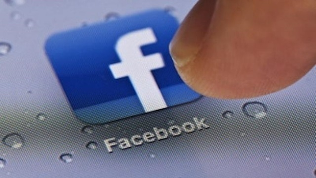 Facebook iOS Uygulamasında Artık Fotoğraflar Kaydedilebiliyor