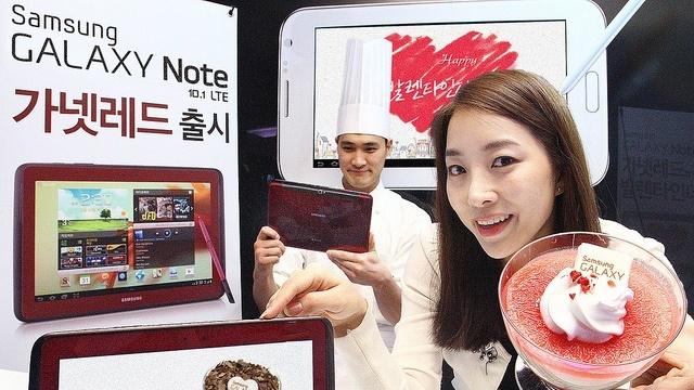 Samsung Galaxy Note 10.1'in Koyu Kırmızı Modeli Çıktı