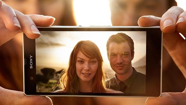 Sony, Xperia Z İsimli Yeni Akıllı Telefonunu Tanıttı