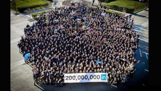 LinkedIn, Çalışanlarını iPad Mini ile Ödüllendirdi