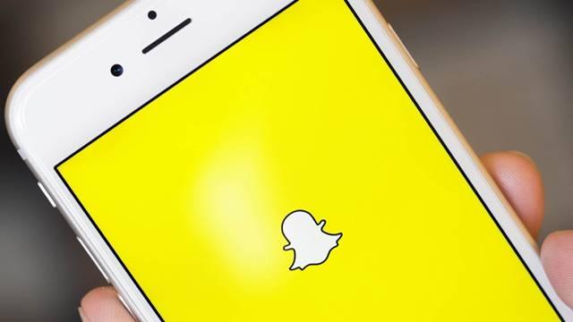Snapchat'te Fotoğraflar ve Videolar Telefona Nasıl Kaydedilir?