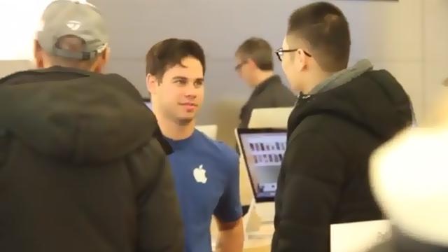 Apple Store Satıcıları Microsoft Ürünleri Tavsiye Ederse