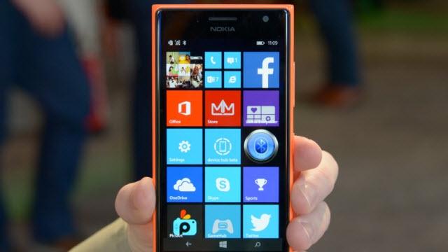 Yeni Selfie Telefonu Lumia 730 ile Tanışın