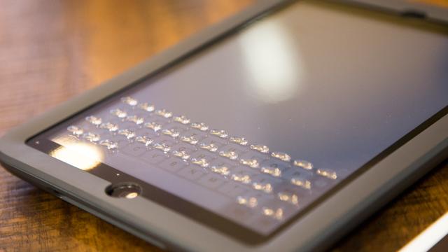 iPad Mini için Fiziksel Buton Yaratabilen Modern Bir Kılıf Geliyor!