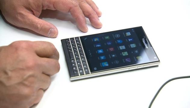 BlackBerry Passport İçin Yeni Video Yayınlandı