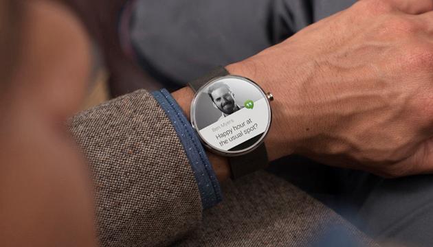 Moto 360, Yeni Videosuyla Klasik Akıllı Saat Tasarımını Gösteriyor