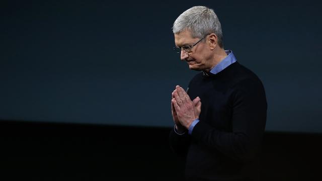 Apple CEO'su Tim Cook, Charlottesville Saldırısını Kınadı