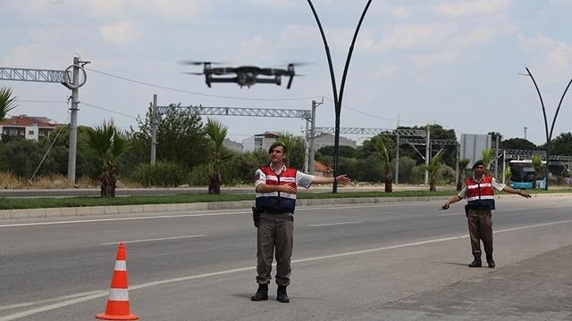 Jandarma'dan Drone ile Trafik Kontrolü