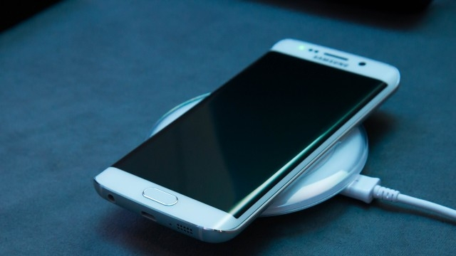 Samsung'dan Apple'a Kablolu Gönderme