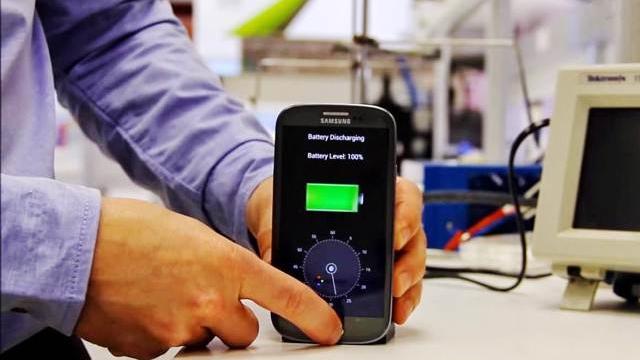 1 Dakikada Şarj Olan Telefon Bataryaları Geliştirildi