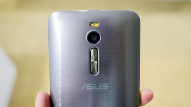 5 İnçlik Asus Zenfone 2'nin Teknik Özellikleri ve Fiyatı Belli Oldu