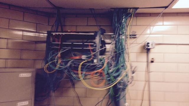 Cezaevinde Gizlice Bilgisayar Topladılar, Siber Dolandırıcılık ve Hırsızlık Yaptılar