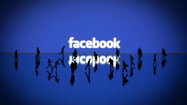 Facebook Takip Et Tuşunu Test Ediyor