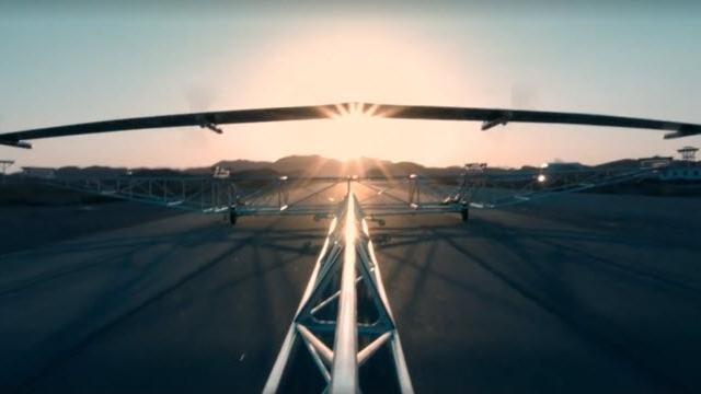 Facebook'un İnternet Dağıtan Güneş Enerjili İnsansız Uçağı Gökyüzüne Açıldı