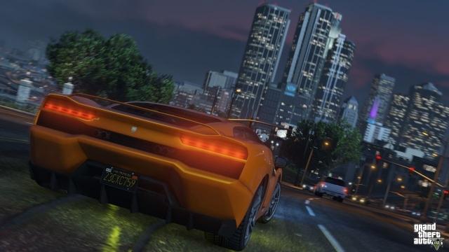 GTA 5 Sürücüsüz Otomobillere Ders Veriyor
