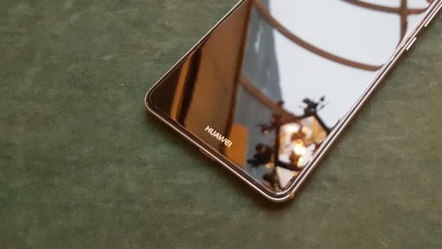 Huawei, Mate 10 ile iPhone 8'i Yok Edecek