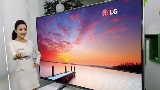 LG'nin Dev Ultra HD Televizyonları Fiyatına Rağmen Kapışılıyor