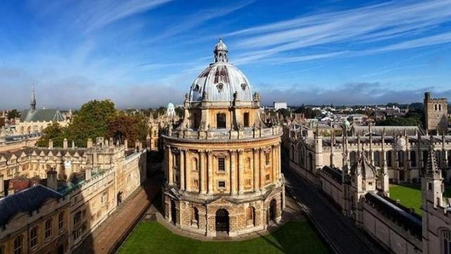 Oxford Üniversitesi Ücretsiz Online Dersler Verecek