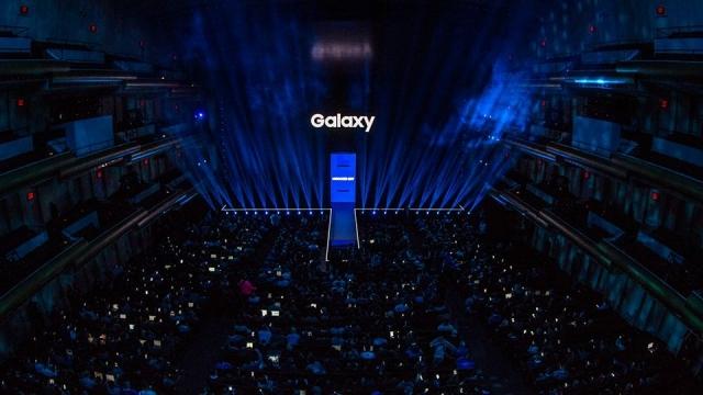 Samsung Dünyanın İlk LED Sinema Ekranını Tanıttı