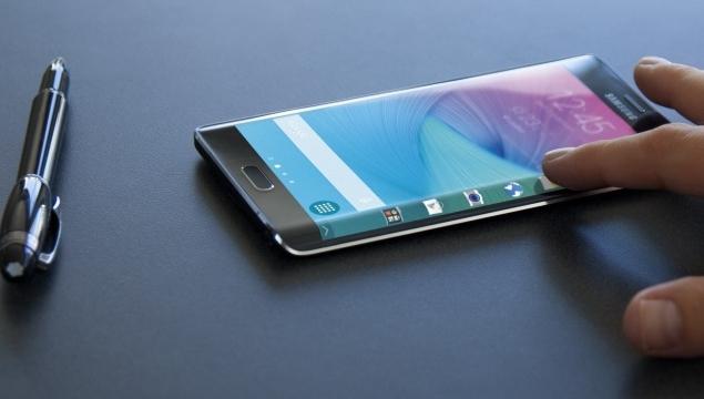 Samsung Galaxy S6'nın Eğimli ve Düz Versiyonları Çıkabilir