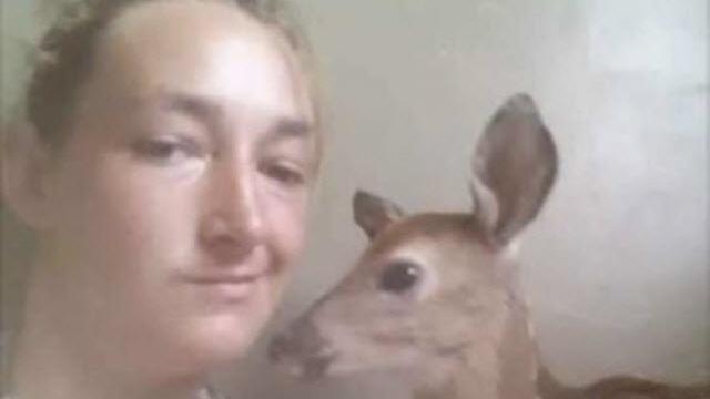 Selfie Tutkusu Yüzünden Vahşi Hayvan Çaldı!