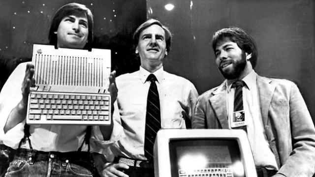 Tarihte Bugün: Steve Jobs Hayatını Kaybetti