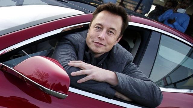 Tesla Dünyanın En Büyük Pilini İnşa Edecek