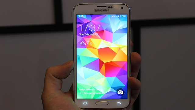 Parmak İzi Okuyuculu Samsung Galaxy S5 Tanıtıldı