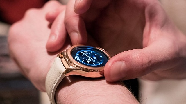 Samsung Gear S2 de Rose Gold'a Boyandı