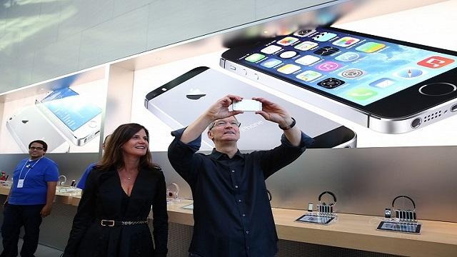 Yeni iPhone'lar İlk Haftasonu 9 Milyon Sattı
