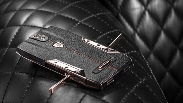 Lamborghini'nin 6000 Dolarlık Özel Üretim Telefonu CES 2015'te Sahneye Çıktı
