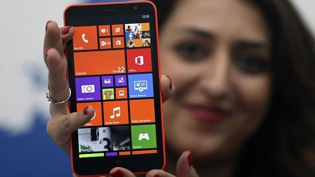 Nokia, Orta Seviye Phableti Lumia 1320'yi Çin'de Satışa Sundu
