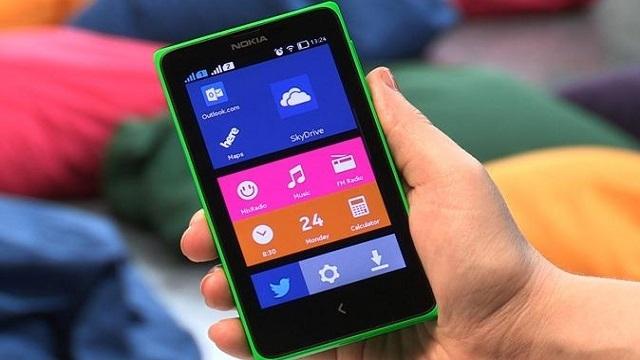 Nokia'dan İki Yeni Bütçe Dostu Akıllı Telefon: Nokia 220 ve Nokia Asha 230