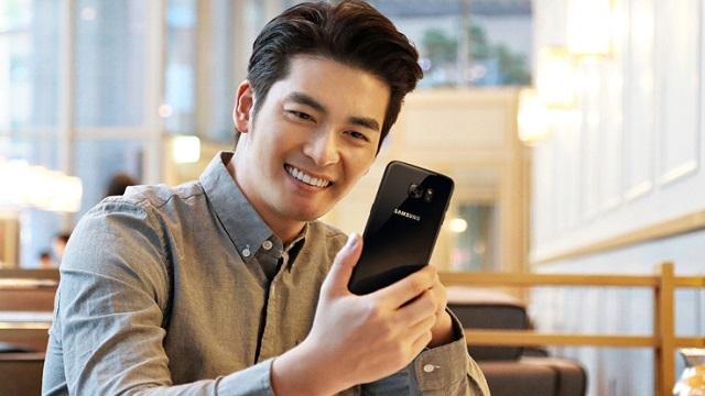 Samsung Galaxy S7 Edge Siyah İnci Modeli Türkiye'de