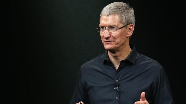 Apple CEO'su Tim Cook, Twitter'a Katıldı