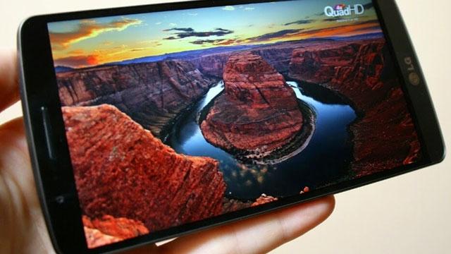 6 inçlik İlk 4K AMOLED Akıllı Telefon Ekranı Görücüye Çıktı
