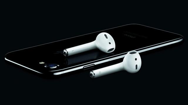 Apple'ın AirPod Kulaklıklarının Türkiye Fiyatı Kara Kara Düşündürüyor