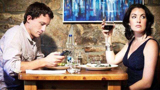 Ne Kadar İletişim Kurarsan, O Kadar İletişimsiz Kalırsın Paradoksu Nedir?