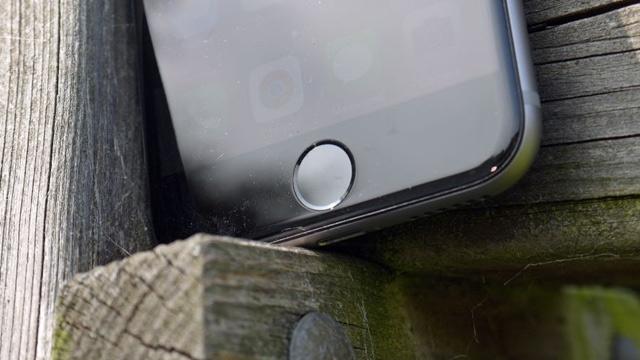 Apple'ın Yeni Kararı iPhone Tutkunlarını İkiye Böldü, İtirazlar Yükseliyor